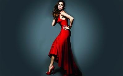 صور لبس الفستان الاحمر في المنام للعزباء , البنت اذا حلمت ان ملابسها حمراء