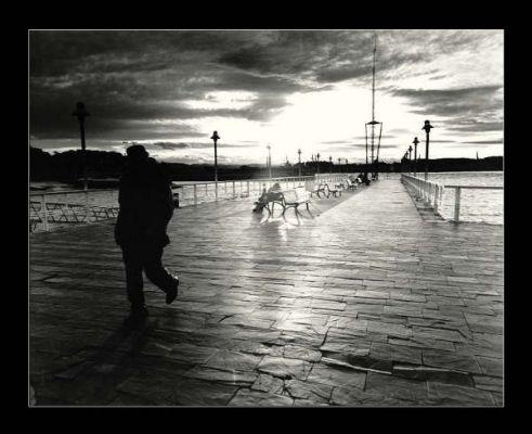 بالصور صور الرجال معبرة عن الحزن , بوستات عن الوحدة والحزن 235 4