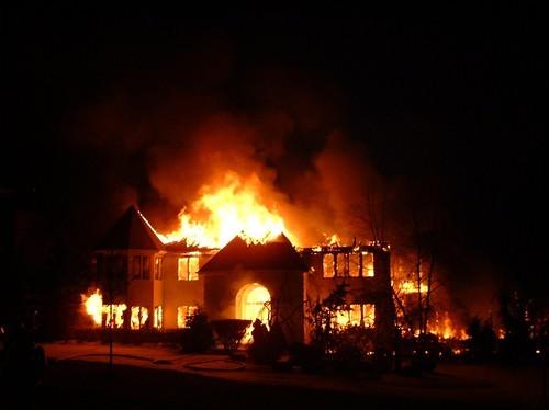 صورة تفسير حلم بيت يحترق , تعبير رؤية حريق المنزل