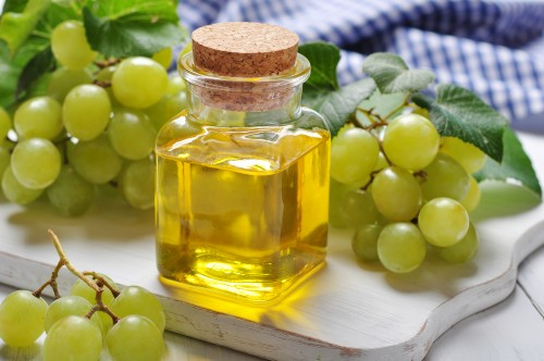 صوره تفسير اكل العنب الاخضر في المنام , تناول العنب فى الرؤيا
