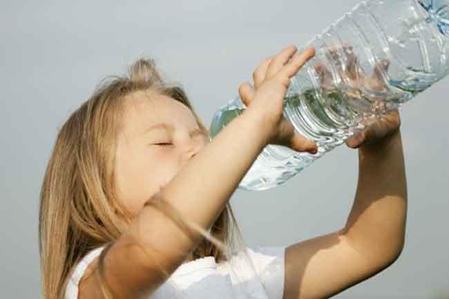 صور شرب الماء في المنام للعزباء , الماء عصب الحياة