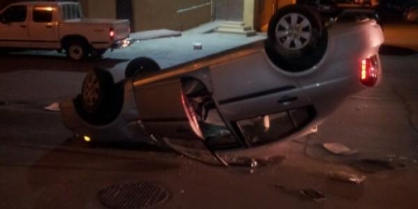 صور حلم انقلاب السيارة , تفسير رؤيا حادث العربية