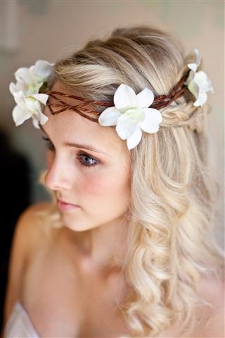 بالصور تسريحات عرايس بالورد , تزينى بالورد يوم زفافك 784 2