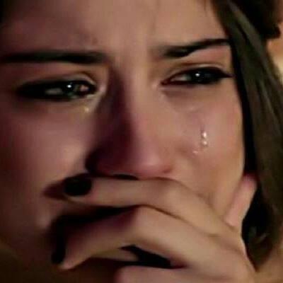 بالصور صور الى فريحة وهي حزينة , لحظات حزن و بكاء النجمة فريحة 1043 3