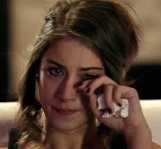 بالصور صور الى فريحة وهي حزينة , لحظات حزن و بكاء النجمة فريحة 1043 4