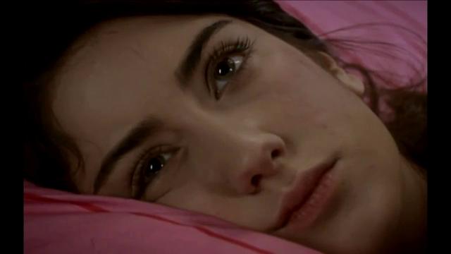 صورة صور الى فريحة وهي حزينة , لحظات حزن و بكاء النجمة فريحة