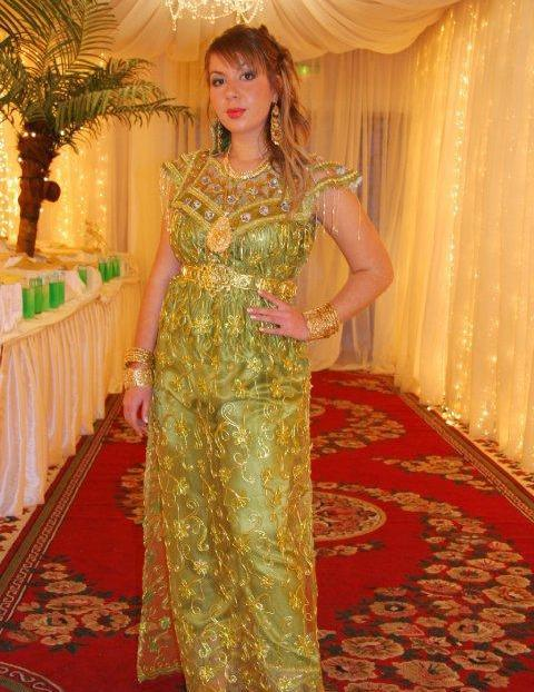 بالصور ملابس تقليدية للعيد , اجمل اشكال اللباس التقليدى 1161 1