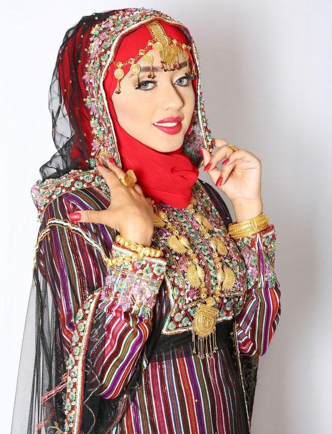 بالصور ملابس تقليدية للعيد , اجمل اشكال اللباس التقليدى 1161 5