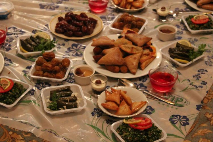 بالصور صواني عشاء فخمه صينية حلى عشاء بالصور سهله ولذيذه , قدمى لعيلتك الذ الاكلات كل يوم 1421 4