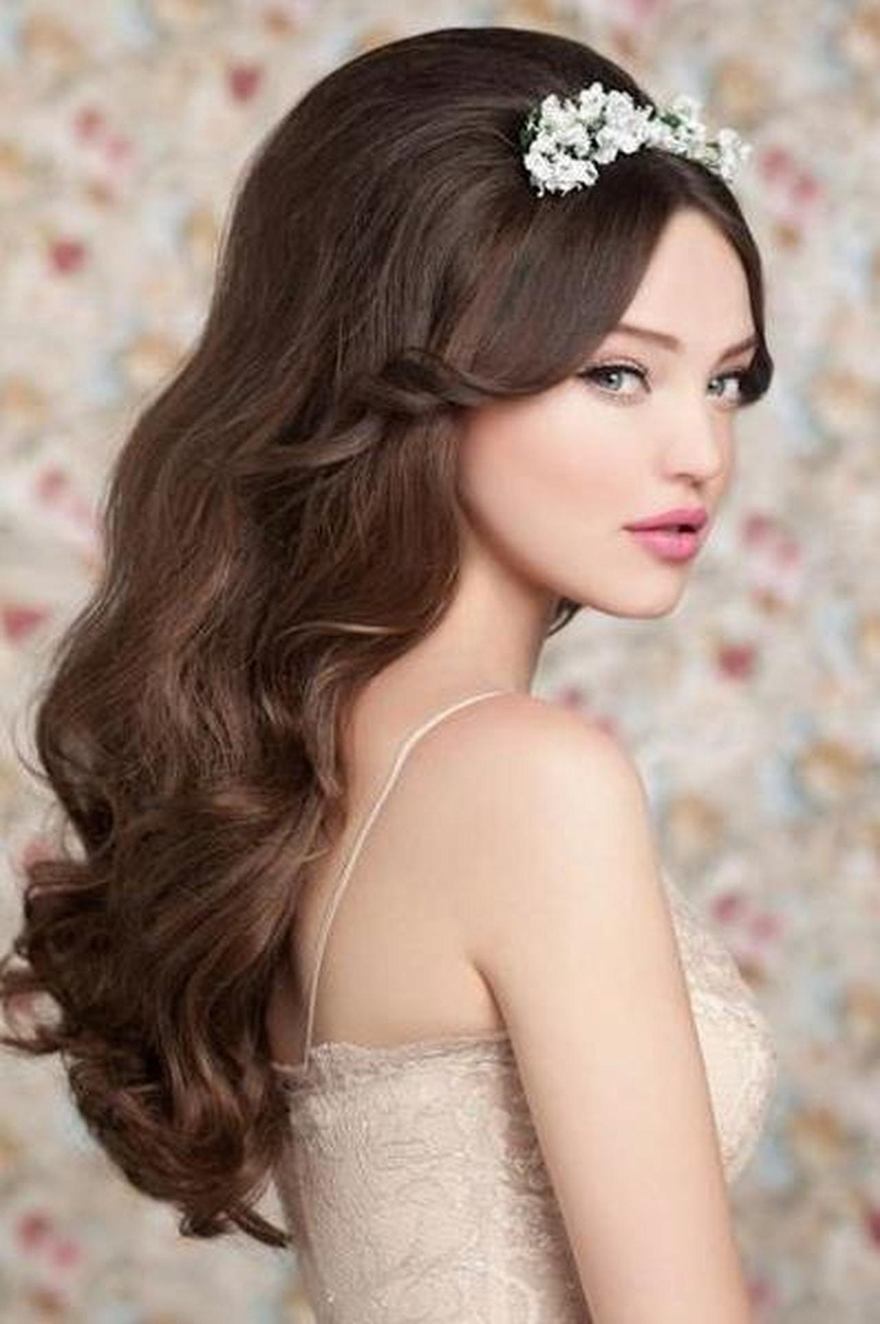 صوره تسريحات خطوبة للشعر الطويل 2019 , خلى شعرك يخطف الانظار