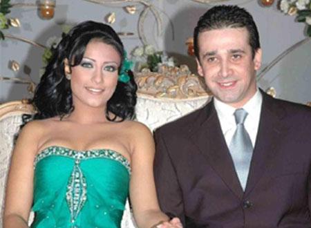 صورة صور زوجة كريم عبد العزيز , شوفوا جمال و رقة مرات نجم الاكشن