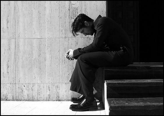 بالصور صور شباب حزينه , احساس الوحدة يؤلم صاحبه 1645 3