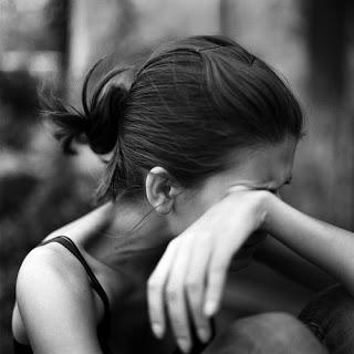 بالصور صور فتاة حزينة , الكابة و الانكسار فى احاسيس بنت 2757 4