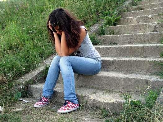 بالصور صور فتاة حزينة , الكابة و الانكسار فى احاسيس بنت 2757 6