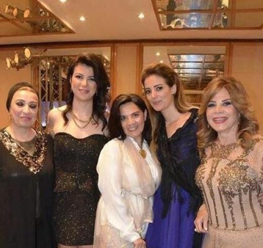 بالصور صور مكتوب عليها بنت عم العروسة , بوستات لاهل العروسة 983 6