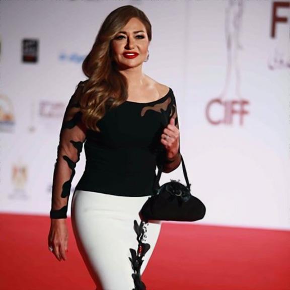 صوره صور ليلي علوي , النجمه والفنانة دلوعة السينما المصرية