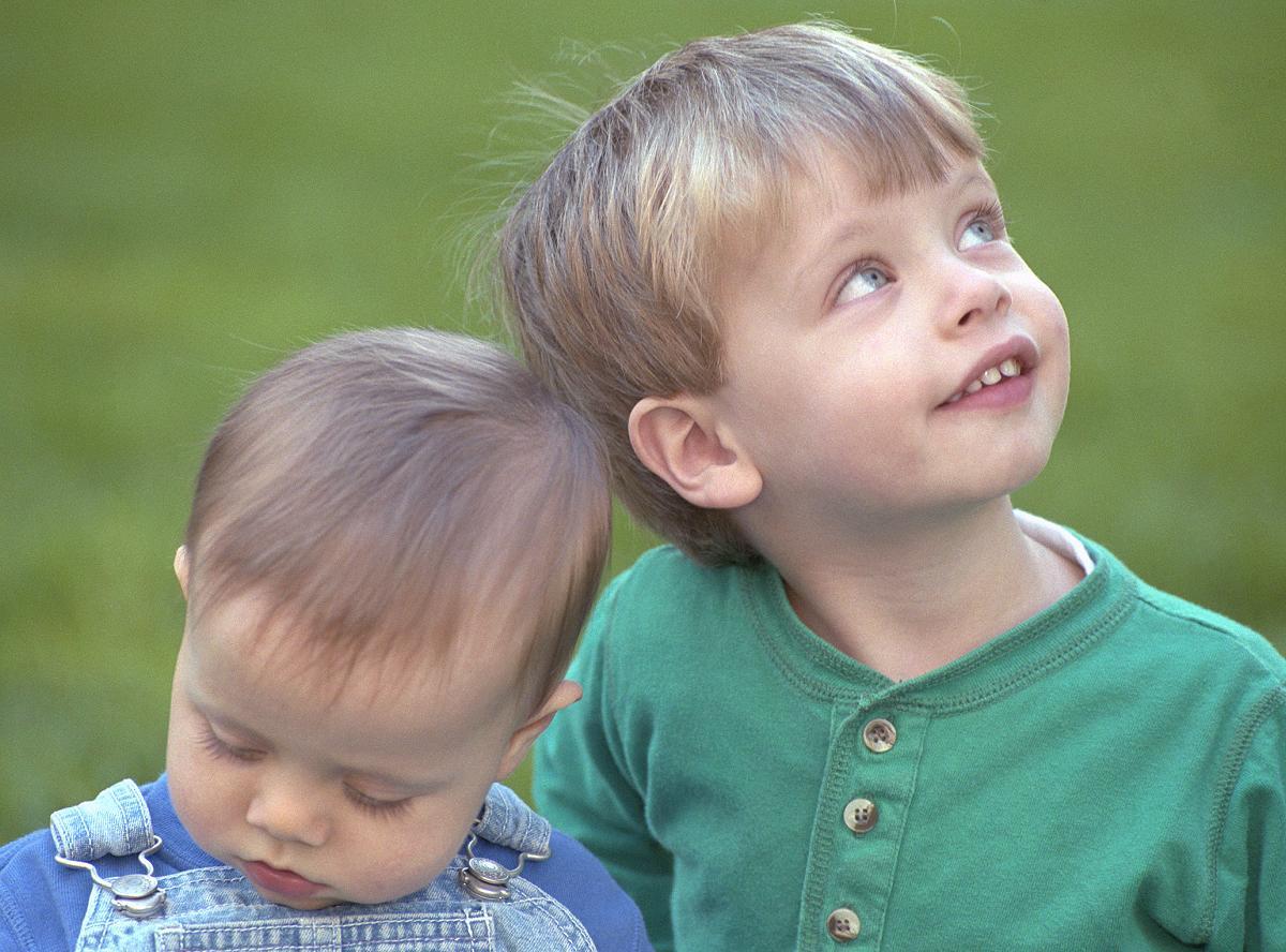 صورة صور اطفال اولاد , الشقاوة والشقلباظات والمرح في الصبيان