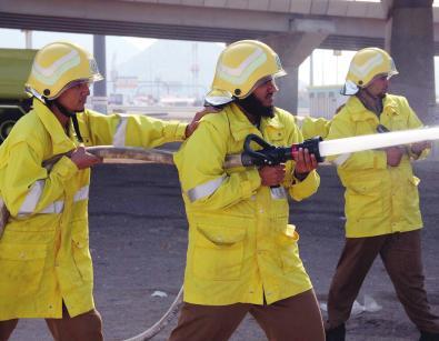 بالصور صور عن الدفاع المدني , رجال اشداء يحمون اوطانهم 1995 2