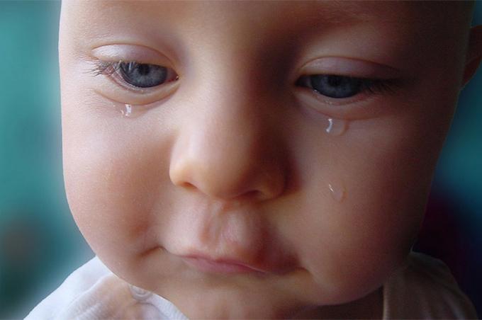 بالصور صور طفل يبكي , عياط العيال بيقطع القلب 2214 2