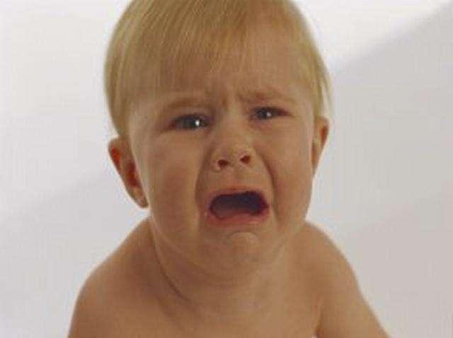 بالصور صور طفل يبكي , عياط العيال بيقطع القلب 2214 5