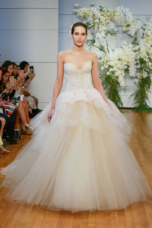صورة صور فساتين عروس , انتى ملكة العرائس المتوجة