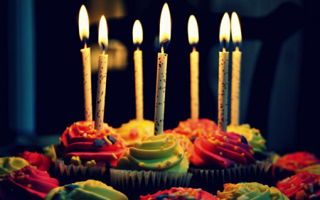 بالصور صور تهنئة عيد ميلاد , كروت المعايدة و الاحتفالات كلها حركات و شقلباظات 2271 1