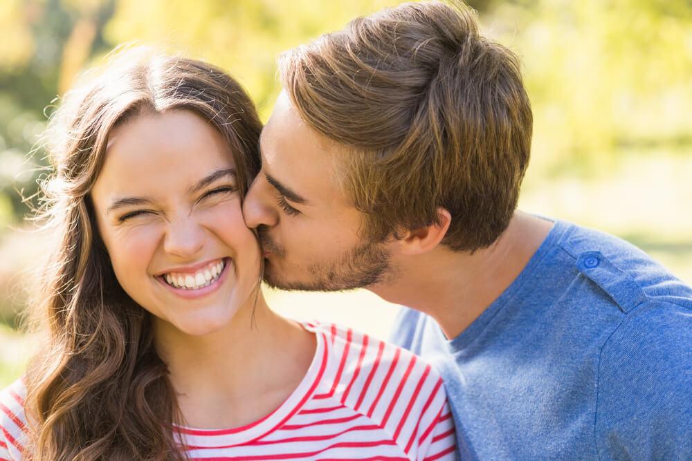 صورة صور بوس رومانسي , حرارة الحب و روعة الشوق