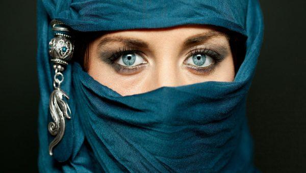 بالصور صور عيون زرقاء , صفاء البحر فى عيونك الحلوة 2633 9