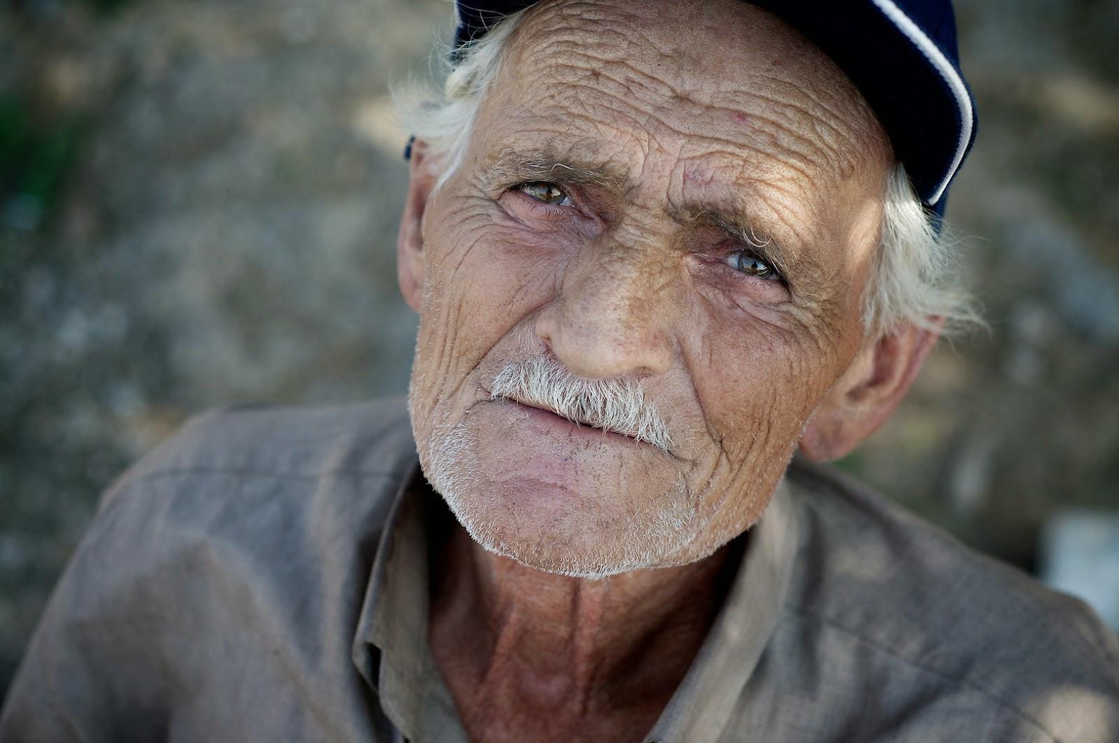 صورة صور رجل عجوز , يا رب ارحمنا فى الكبر و قوينا