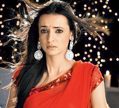 صورة صور سنايا ايراني , النجمة الهندية صاحبة الادوار المميزة