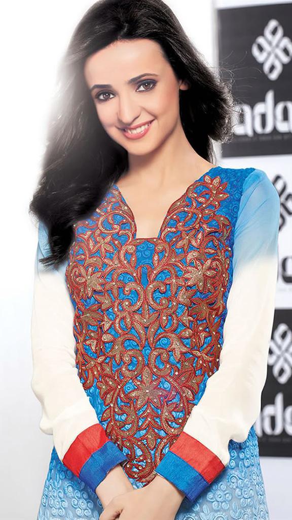 بالصور صور سنايا ايراني , النجمة الهندية صاحبة الادوار المميزة 2642 5