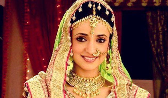 بالصور صور سنايا ايراني , النجمة الهندية صاحبة الادوار المميزة 2642 8