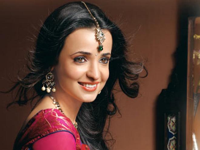 بالصور صور سنايا ايراني , النجمة الهندية صاحبة الادوار المميزة 2642 9