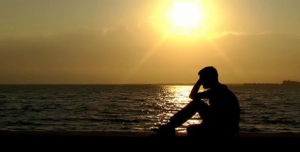 بالصور صور رجل حزين , اشكال تصعب عليك من قسوتها 2646 11