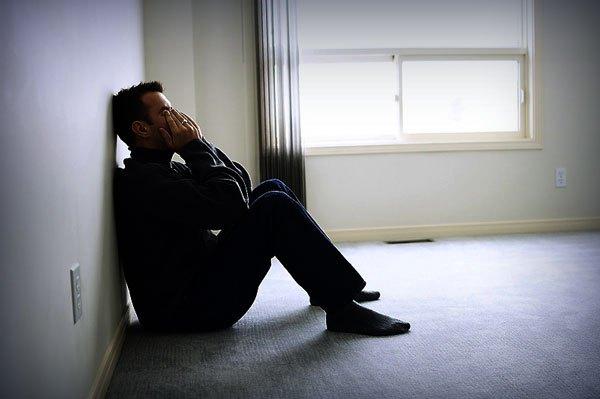 بالصور صور رجل حزين , اشكال تصعب عليك من قسوتها 2646 12