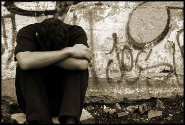 بالصور صور رجل حزين , اشكال تصعب عليك من قسوتها 2646 9