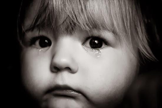 بالصور صور اطفال حزينه , ليه الحزن يرسم بريشتة على الوش الصغير 2685 5