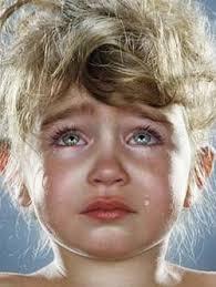 بالصور صور اطفال حزينه , ليه الحزن يرسم بريشتة على الوش الصغير 2685 7