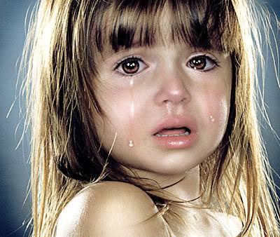 بالصور صور اطفال حزينه , ليه الحزن يرسم بريشتة على الوش الصغير