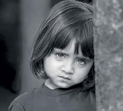 بالصور صور اطفال حزينه , ليه الحزن يرسم بريشتة على الوش الصغير 2685