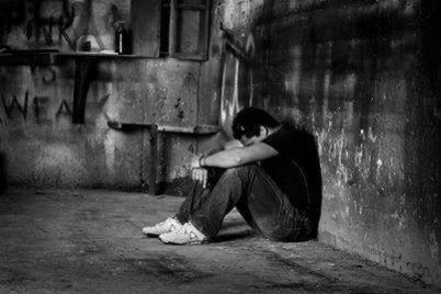 بالصور صور رجال حزينه , الزعل و الكابة مع الرجالة حاجة تانية 2732 2
