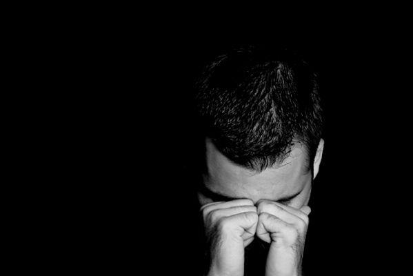 بالصور صور رجال حزينه , الزعل و الكابة مع الرجالة حاجة تانية 2732 7