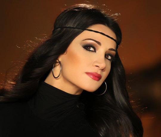 صوره صور ديانا حداد , بوستات للمطربة اللبنانية