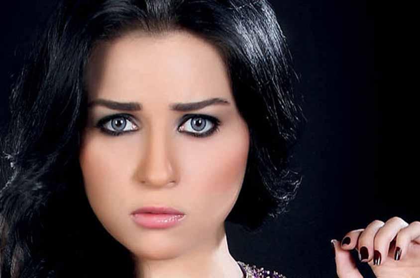 صوره صور مي عزالدين , الفنانة المصرية واطلالتها المثيرة