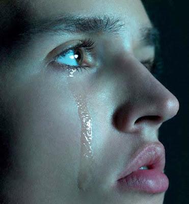 بالصور صور دموع حزينه , اة من النواح و الاهات انكسر معهم قلبي 2012 6