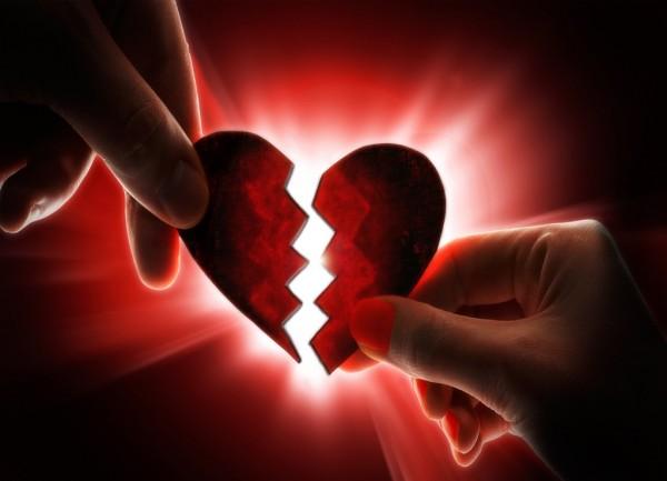 صورة صور قلب مكسور , من كتر الالم و الوجع انكسرت اوي