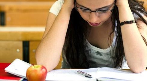 بالصور صور عبارات حلوة لبنات الي يدرسون , اتجمعوا كلمات حلوة للفتيات عن المذاكرة 1095 4