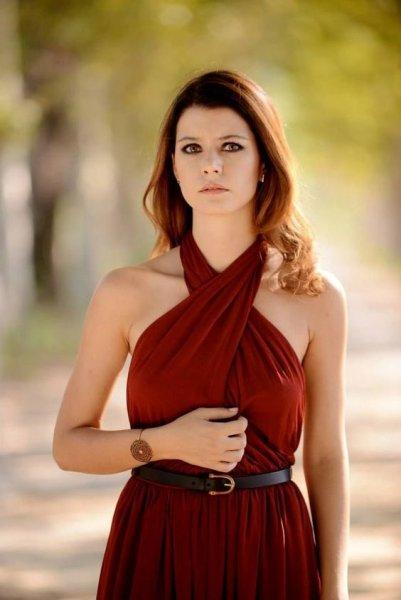 بالصور صور بيرين سات , الجمال التركى و الموهبة الحقيقية 2527 3