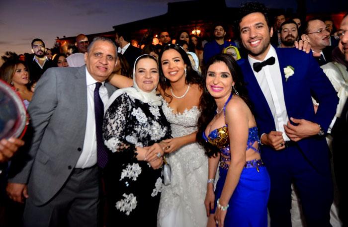 بالصور صور فرح ايمي سمير غانم , افرحي يا عروسة بعريسك وزغروطو يا حبايب 2554 3