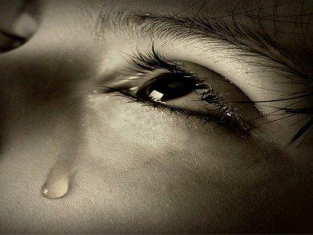 بالصور صور عيون حزينه , مهما الزعل ملئ العين تبقي برضة جميلة 2337 2